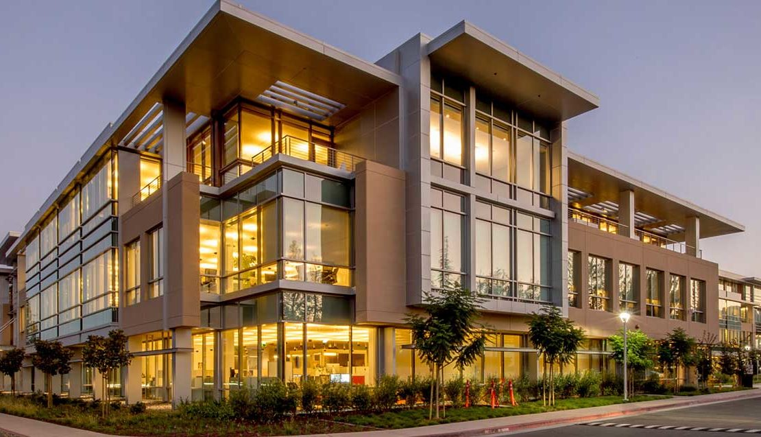 Benefits of buying and selling commercial real estate during COVID-19